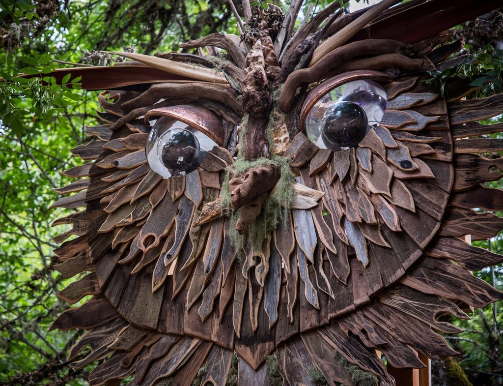 Art Installations Oregon Eclipse Oregon Eclipse - Artist spends year woods creating beautiful sculptures